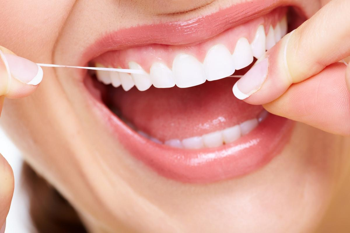 6 Simple Tips for Natural Teeth Care